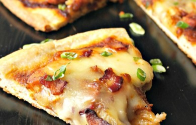 Easy BBQ Chicken & Bacon Pizza via I'm Not the Nanny #McSkilletSauce #WeekdaySupper