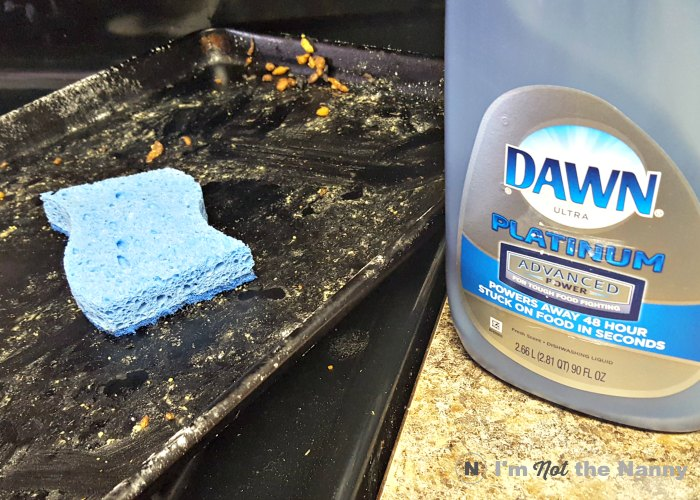 Cleaning up greasy pan with Dawn