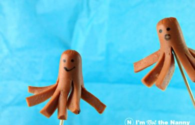 How to Make Octopus Hot Dogs-step by step tutorial with video. Great for kids' lunchboxes