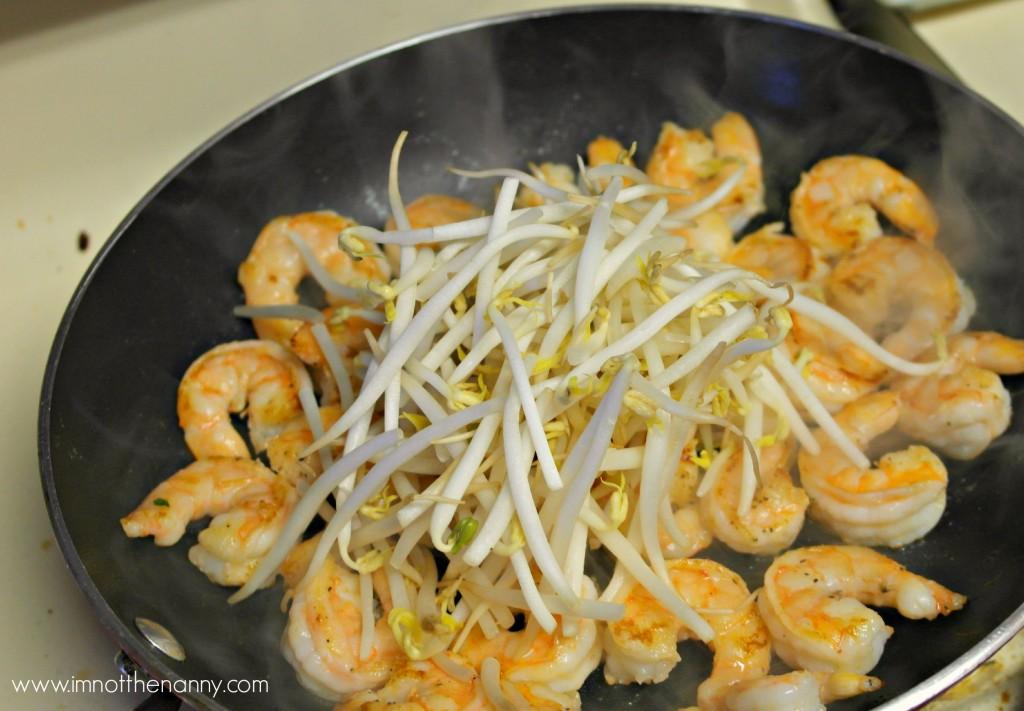 Shrimp filling for Vietnamese sizzling crepes