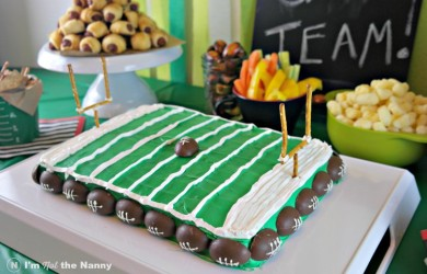 Football Field Cake Tutorial for your football party #HomeBowlParty