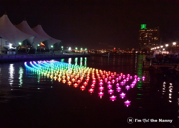 Voyage Paper Boats Light City