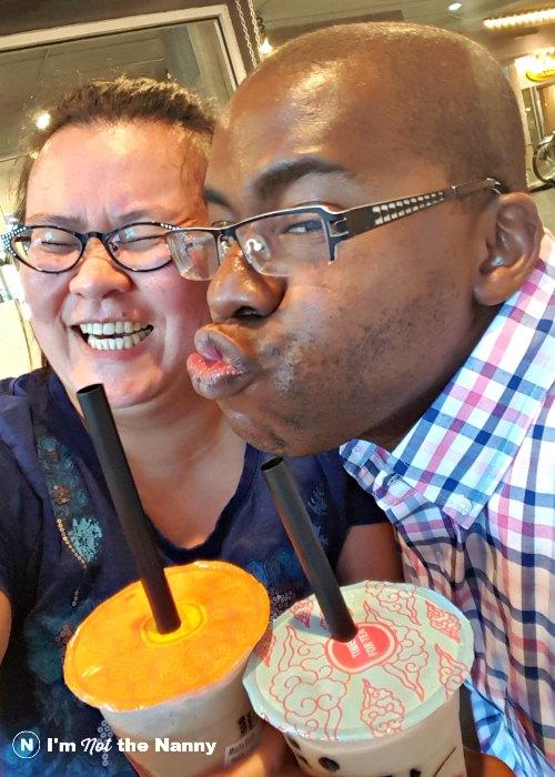 Bubble tea kiss spousie